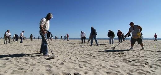 Beach coin hunting