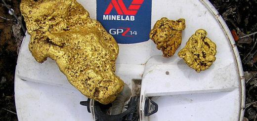 huge gold nugget detected Minelab GPZ 7000