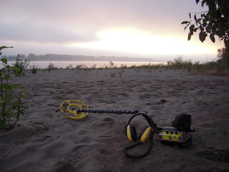Whites Beach Hunter ID 300 underwater detector Whites
