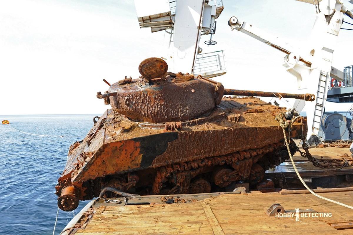 "Sherman Tanks Retrieved From The ""Thomas Donaldson"" Ship"